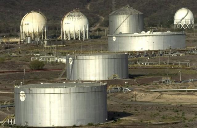 Ξεπέρασαν τις 250.000 οι απολύσεις στην πετρελαϊκή βιομηχανία