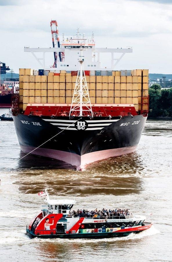 Το Αμβούργο αναδεικνύεται ως κομβικός λιμένας για την παρουσία των κινεζικών COSCO και CSCL στην Ευρώπη