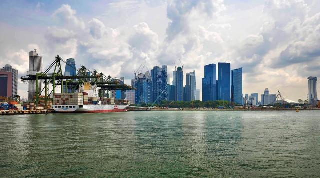 Σύννεφα (και) στην οικονομία της Σιγκαπούρης