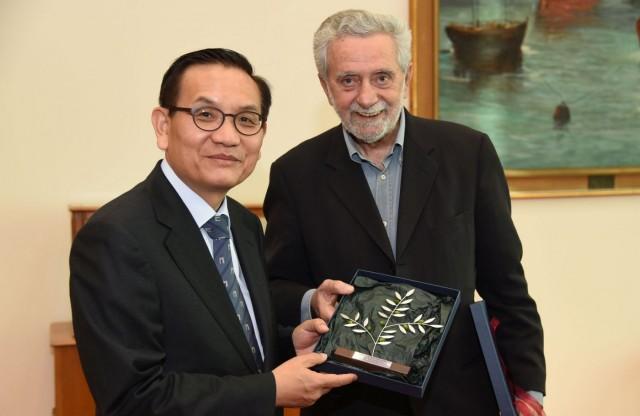 Ο ΥΝΑ ζητά την ενίσχυση της διμερούς συνεργασίας Ελλάδας-Κορέας
