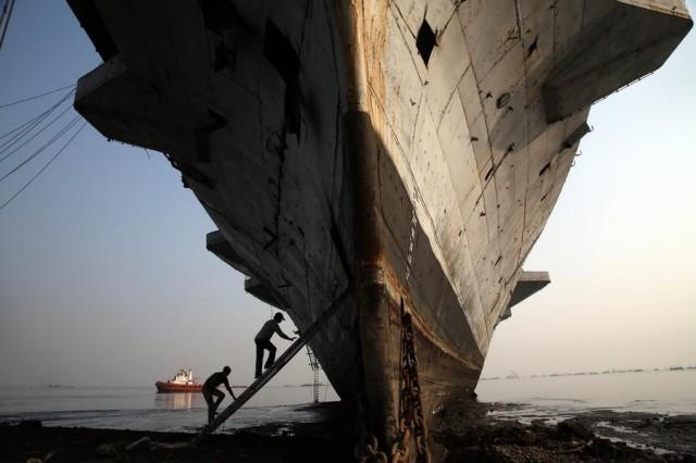 Η πτώση της ναυλαγοράς αναζωπύρωσε τον τομέα των διαλύσεων