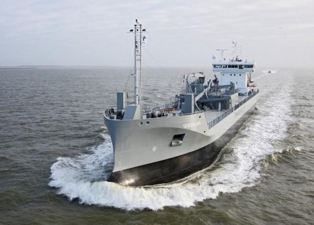 Το πρώτο πλοίο μεταφοράς τσιμέντου που χρησιμοποιεί LNG
