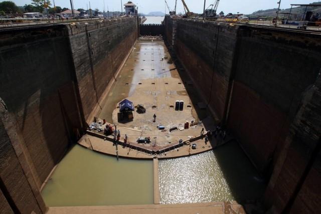 Γενική άποψη των έργων στη Διώρυγα του Παναμά στους υδατοφράκτες στο Pedro Miguel