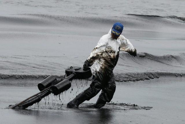 Ναυάγιο και σοβαρή θαλάσσια ρύπανση στις ακτές της Αδριατικής