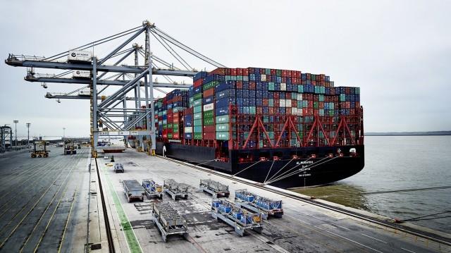 Ένα από τα μεγαλύτερα containership του κόσμου προσέγγισε το Λονδίνο