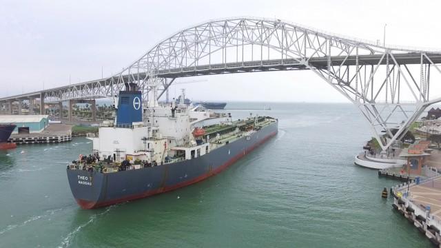 Με ελληνόκτητο πλοίο η πρώτη- ιστορική- εξαγωγή αργού πετρελαίου από τις ΗΠΑ