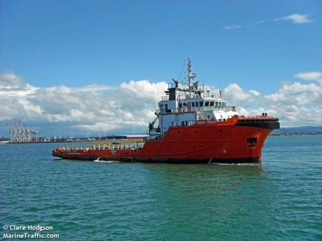 Πλοίο έρμαιο της θάλασσας