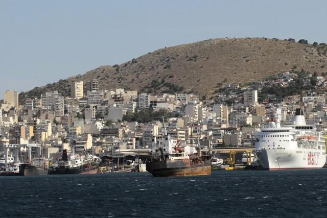 Ο ΥΝΑ απαντά για το λιμάνι και για τις εξελίξεις στη Ναυπηγοεπισκευαστική Ζώνη
