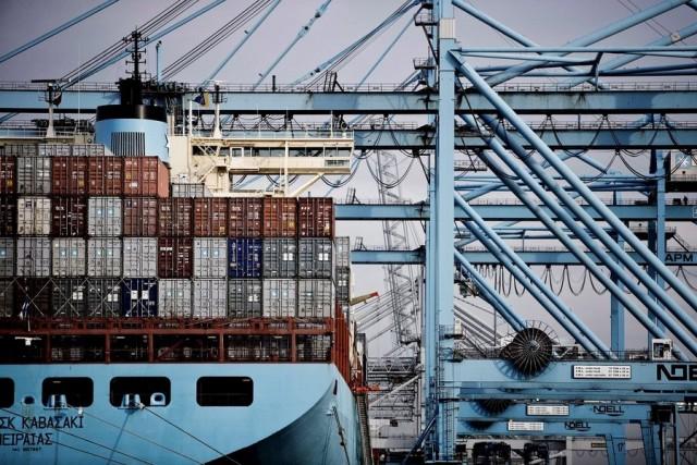Χρονιά ρεκόρ στη διακίνηση εμπορευμάτων από τον λιμένα του Ρότερνταμ