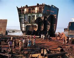 Διαλύσεις πλοίων: η πτώση των τιμών συνεχίζεται ακάθεκτη