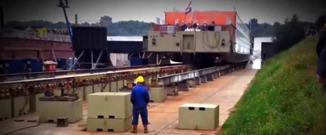 Δείτε σε βίντεο τη ναυπήγηση ενός εντυπωσιακού κρουαζιερόπλοιου που ήδη πλέει στα νερά του Δούναβη και του Ρήνου
