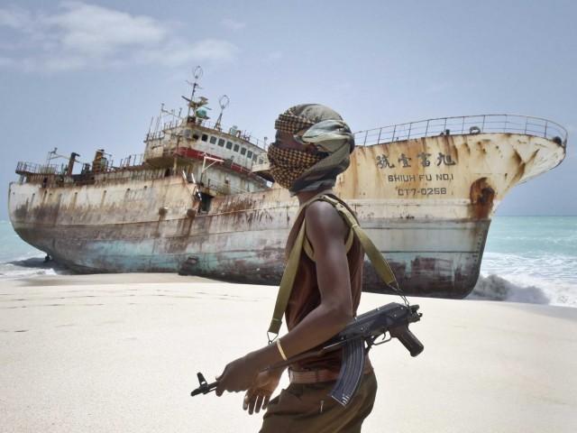Στη Νιγηρία η πειρατεία ανθεί, διότι οι νέοι δεν μπορούν να βρουν δουλειά;