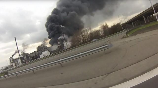 Μεγάλη έκρηξη σημειώθηκε στην Αμβέρσα σε εργοστάσιο επεξεργασίας βιομηχανικών αποβλήτων