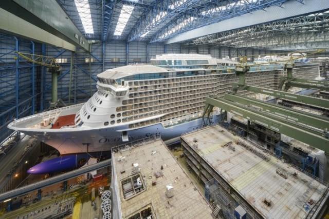 Δείτε σε ένα εντυπωσιακό βίντεο την αναχώρηση από το ναυπηγείο «Meyer Werft» του υπερπολυτελούς κρουαζιερόπλοιου «Ovation of the Seas»