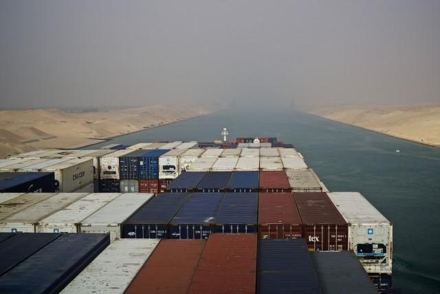 Νέος κανονισμός για τον διάπλου της διώρυγας του Σουέζ