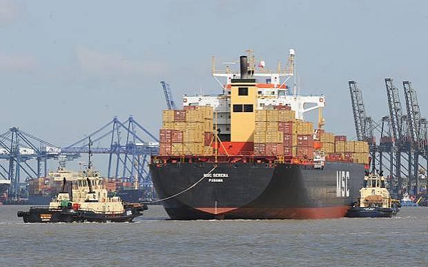 Ο Τάμεσης υποδέχεται στα λιμάνια του ολοένα και μεγαλύτερα πλοία