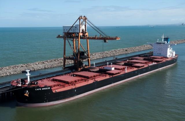 Το 40% από τα δεμένα πλοία αφορούν Capes και Panamax