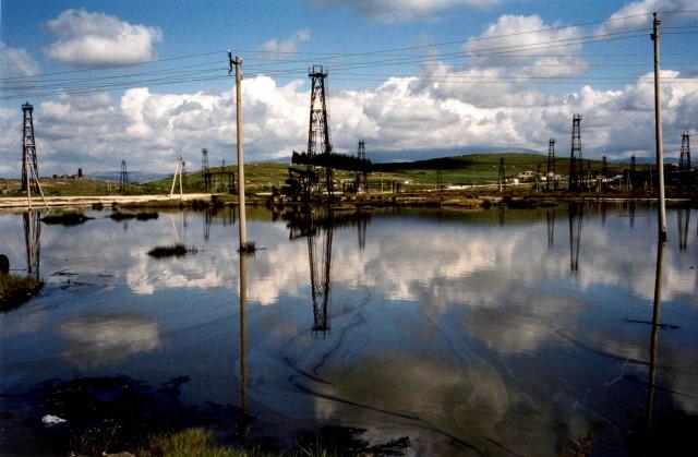 Κινεζική εταιρεία θα ελέγχει πλέον τα κοιτάσματα πετρελαίου της Αλβανίας