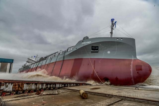 Καθελκύστηκε και το δεύτερο πλοίο μεταφοράς τσιμέντου που χρησιμοποιεί LNG