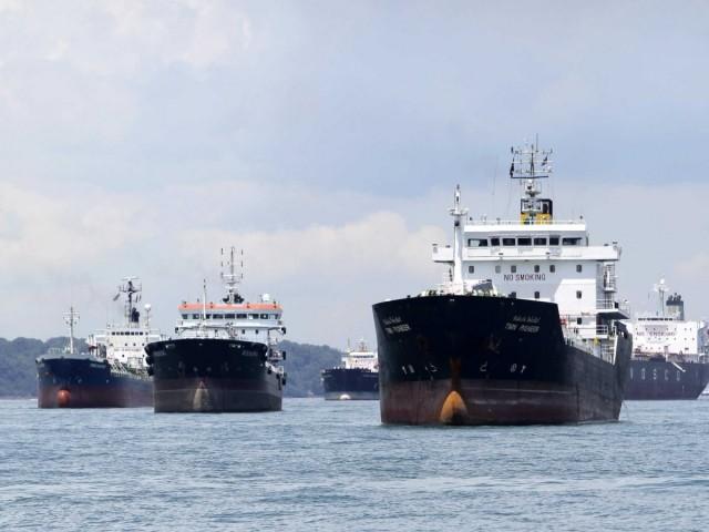 Aτέλειωτη η αναμονή για τα δεξαμενόπλοια έξω από το Caracas