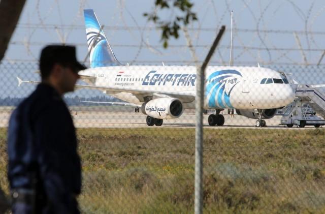 Απελευθερώθηκαν οι περισσότεροι από τους ομήρους της πτήσης των Αιγυπτιακών αερογραμμών