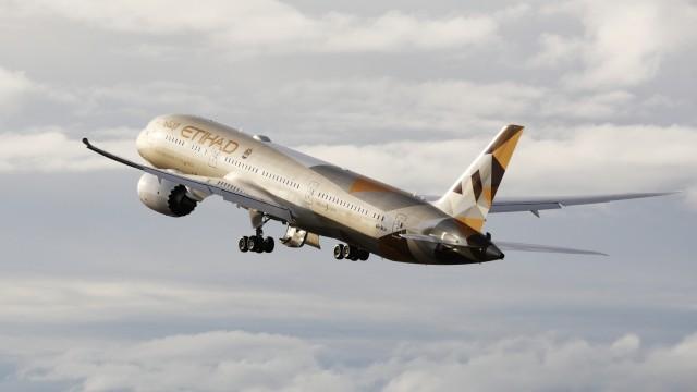 Η Etihad Airways λαμβάνει από το Ελευθέριος Βενιζέλος την τιμητική διάκριση της ταχυτέρας αναπτυσσόμενης αεροπορικής εταιρείας