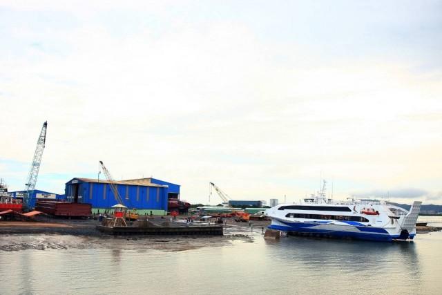 Αυστραλιανά ναυπηγεία κατασκευάζουν δύο καταμαράν που θα κινούνται αποκλειστικά με LNG