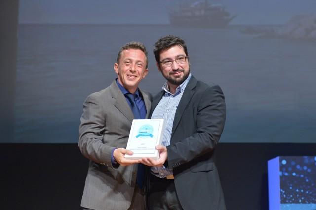 Το βραβείο παρελήφθη από τον Εμπορικό Διευθυντή της Variety Cruises, κ  Διογένη Βενετόπουλο (στα αριστερά).