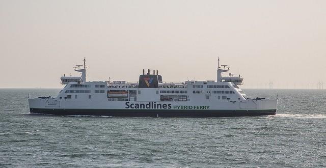 Με καθυστέρηση 4 ετών η Scandlines υποδέχεται το πρώτο υβριδικό της επιβατηγό-οχηματαγωγό «Berlin»