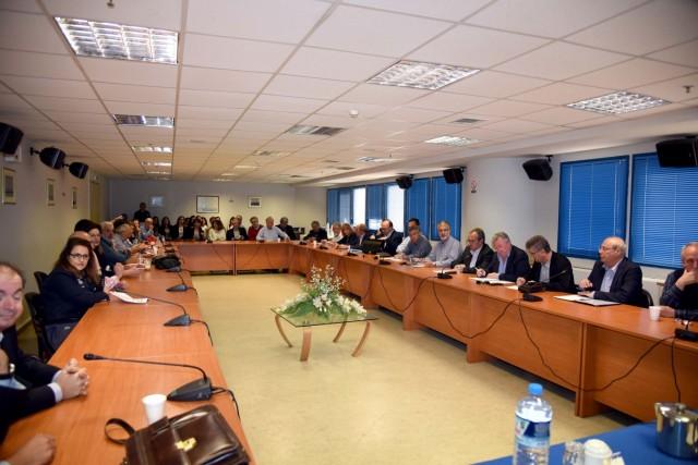 Η λειτουργία της λιμενικής βιομηχανίας στην Ελλάδα και διεθνώς
