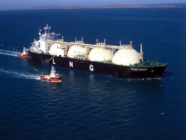 H EE υποστηρίζει LNG και μεθανόλη ως ναυτιλιακό καύσιμο