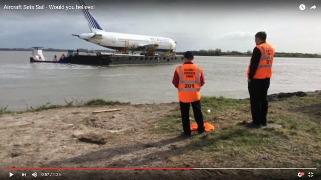 Ένα Boeing 767 ταξιδεύει στον Ατλαντικό…