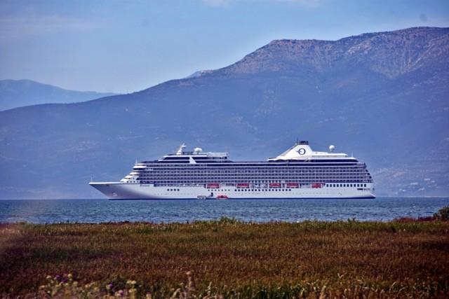 """Το κρουαζιερόπλοιο """"Riviera"""" κατέπλευσε στο Ναύπλιο"""