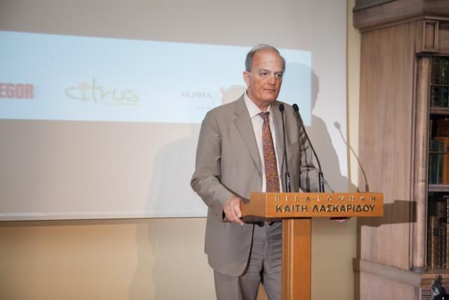 Ο πρόεδρος της INTERCARGO κ. Ι. Πλατσιδάκης χαιρετίζει την εκδήλωση εκ μέρους της κριτικής επιτροπής