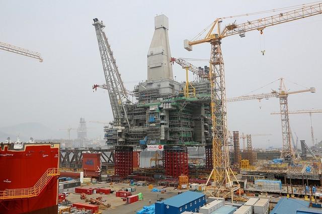 Τα ναυπηγεία Νότιας Κορέας και Κίνας αντιμέτωπα με τον κίνδυνο χιλιάδων απολύσεων