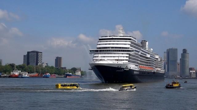 Βαπτίστηκε στο Ρότερνταμ το Koningsdam, το νέο κρουαζιερόπλοιο της Holland America Line (video)