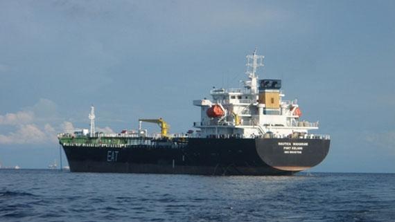 Θαλάσσια ρύπανση από διαρροή πετρελαίου στη Μαλαισία
