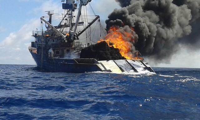 Εντυπωσιακή διάσωση στον Ειρηνικό από Ελληνικό δεξαμενόπλοιο