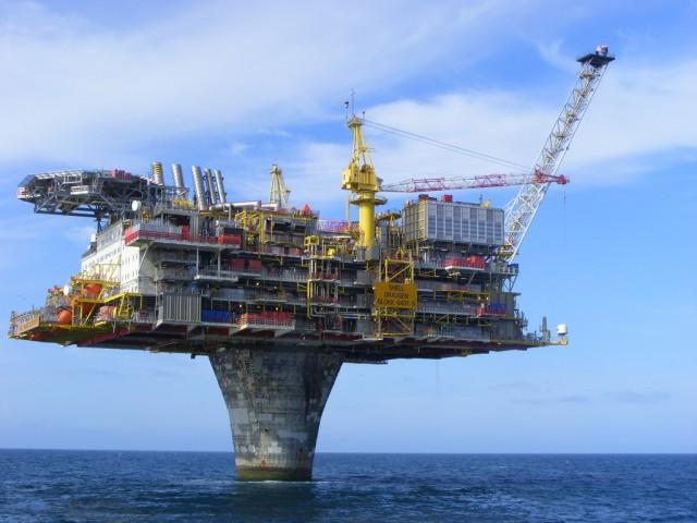 Το Εδιμβούργο πιέζει το Λονδίνο για ενίσχυση της πετρελαϊκής βιομηχανίας της Βόρειας Θάλασσας