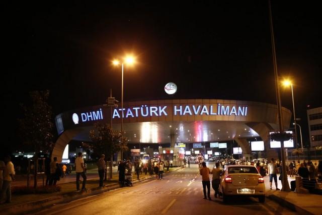 Εκρήξεις στο αεροδρόμιο «Ατατούρκ» της Κωνσταντινούπολης –  Τουλάχιστον 28 νεκροί και 60 τραυματίες