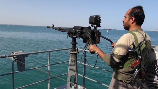 Πολεμικά πλοία του Ιράν απέτρεψαν επίθεση 115 πειρατών σε δεξαμενόπλοιο