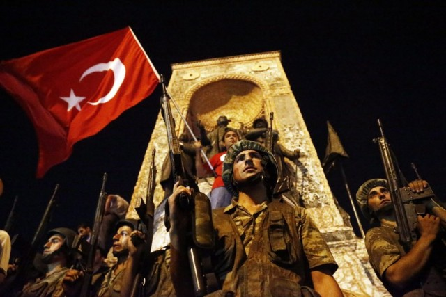 Αντεπίθεση Ερντογάν –  90 νεκροί & 1.154 τραυματίες – Κλειστός ο Βόσπορος και το «Ατατούρκ»