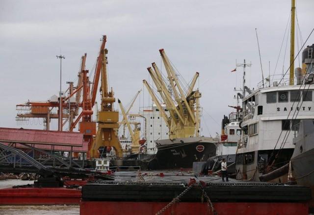 Μείωση καταγράφεται και στο διμερές εμπόριο μεταξύ της Κίνας και χωρών της ASEAN