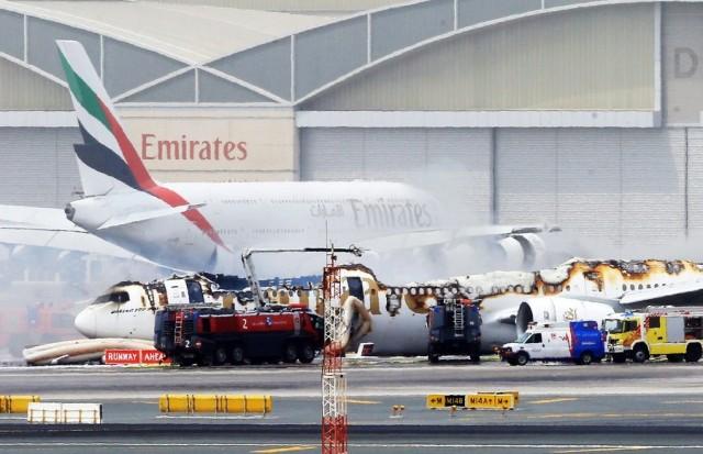 Στις φλόγες αεροπλάνο της Emirates