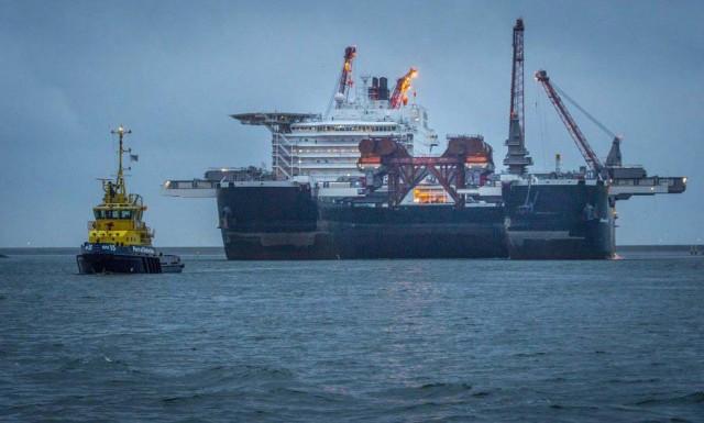 Tο μεγαλύτερο πλοίο του κόσμου αναχωρεί από το λιμάνι του Ρότερνταμ