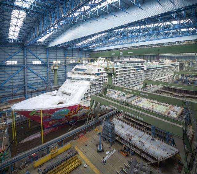 Έξοδος του κρουαζιερόπλοιου Genting Dream από τα γερμανικά ναυπηγεία του Πάπενμπουργκ (live streaming)