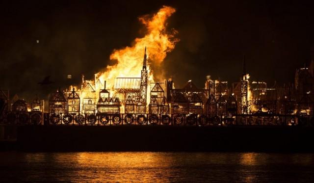 Το Λονδίνο μετά από 350 χρόνια και πάλι στις «φλόγες»