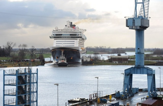 Τα γερμανικά ναυπηγεία Meyer κατασκευάζουν για την Carnival κρουαζιερόπλοια που θα κινούνται με LNG