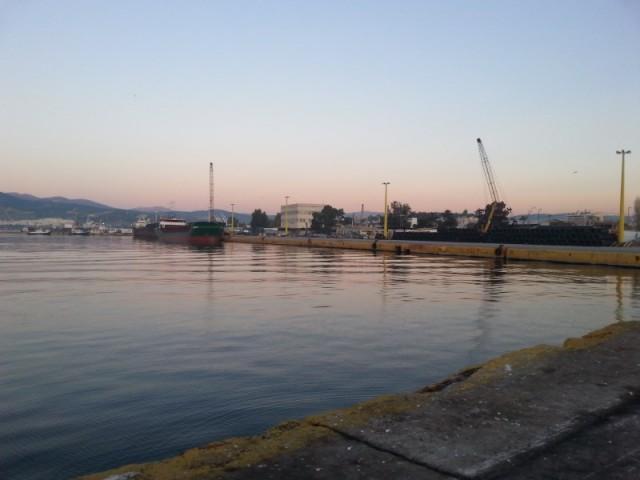 Δημόσια δέσμευση του υπουργείου Ναυτιλίας για το άνοιγμα της Ελευσίνας στη θάλασσα