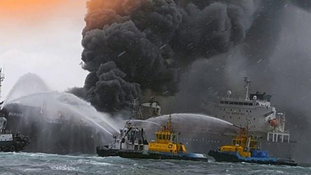 Φωτιά σε δεξαμενόπλοιο έμφορτο με 80.000 βαρέλια diesel